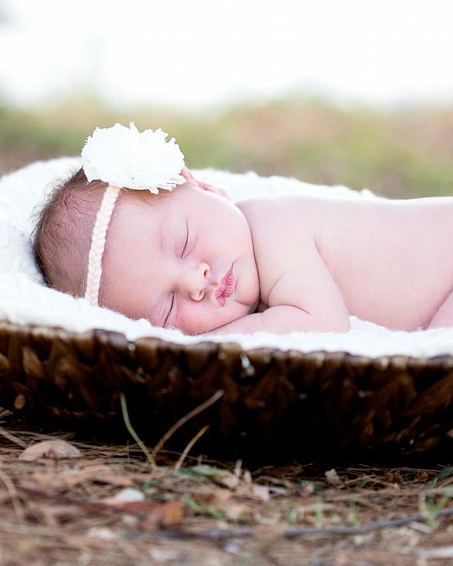 Catrin Newborn Session (4 of 4).jpg